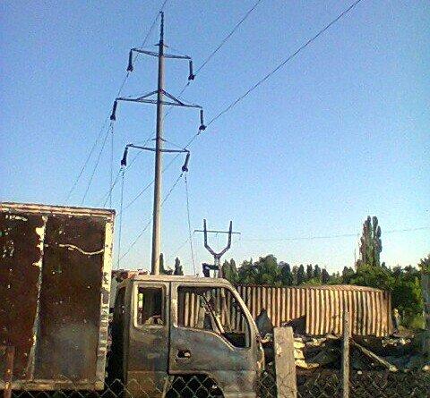 Пожар на складе и стоянке в охранной зоне ЛЭП