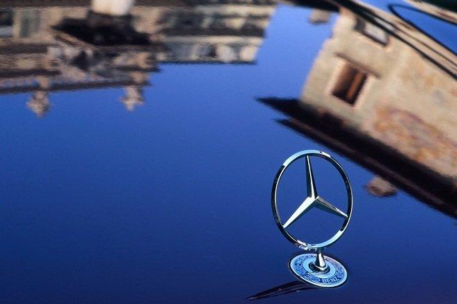 логотип Daimler AG