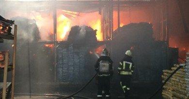 пожежа на складах