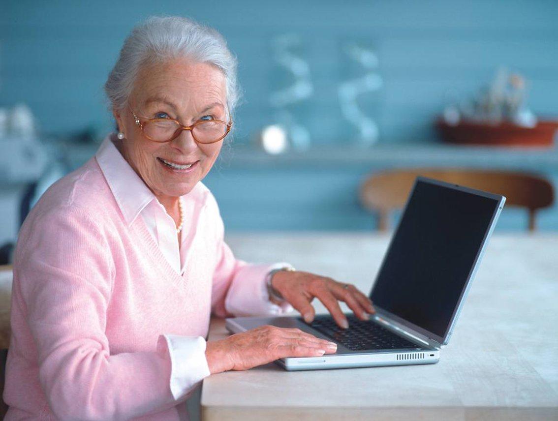 Как сократить работающего пенсионера без его желания по закону