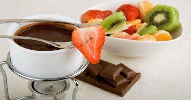 фрукты и шоколад