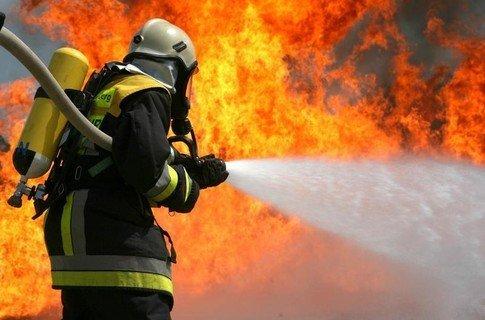 Ужгородські рятувальники загасили пожежу у Розівці