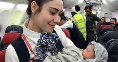 борт самолета_новорожденная