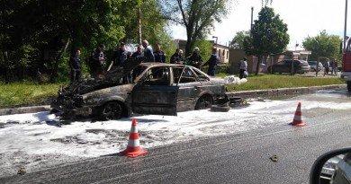 Дніпро_палає авто