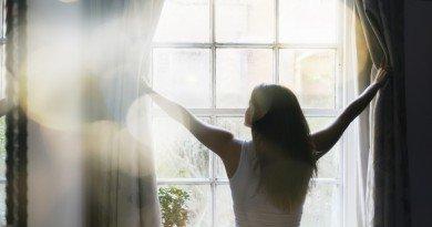 солнечный свет в окне