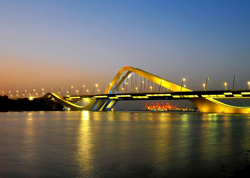 800px-Sheikh_Zayed_Bridge_-_Abu_Dhabi,_UAE