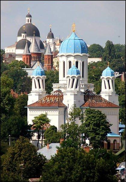 pyanaya-cerkov-chernovcy-ukraina