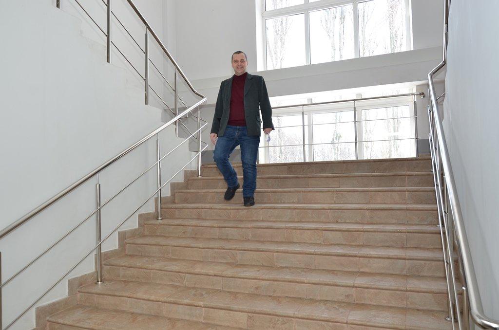 Новая лестница в здании нарядных участков шахты Днепровская