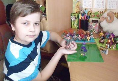 Назар Шпонька из Днепропетровщины лепит необычные игрушки (Фото)