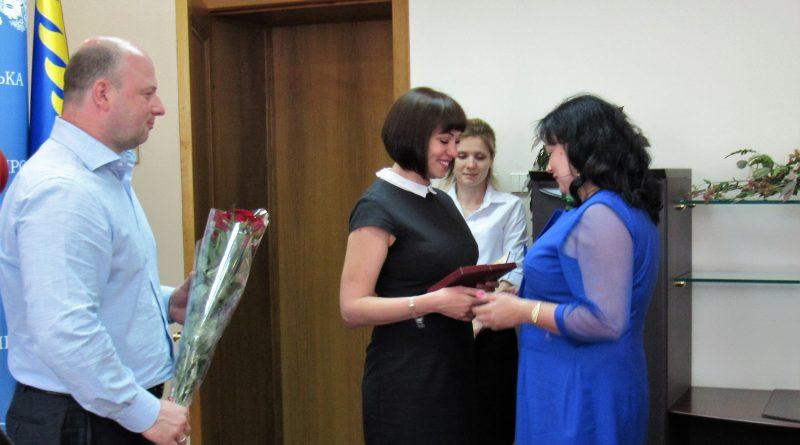 Четыре мамы из Днепра получили государственные награды 4