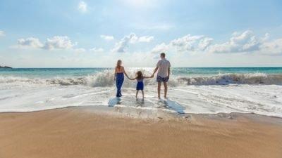 Летний отдых с ребенком: что нужно знать при выборе курорта