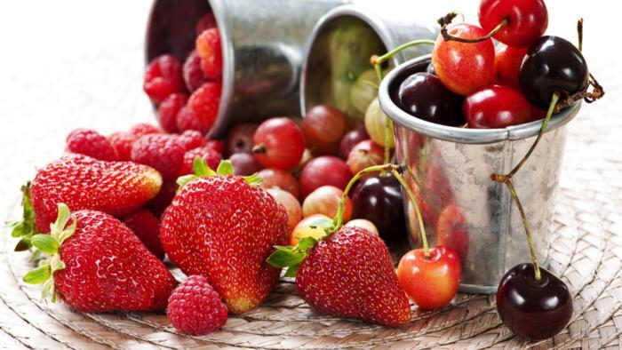 перші ягоди