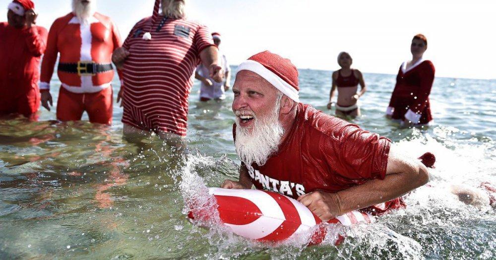 Санта-Клаусы