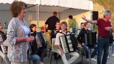 Юнак з Дніпропетровщини побував на гастролях у Франції