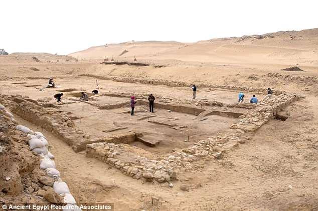 археологи Египта
