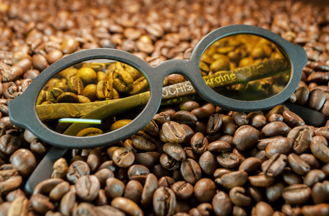 окуляри з кави
