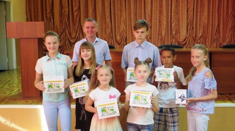 Награждение детей работников филиалов ДТЭК Павлоградуголь 2