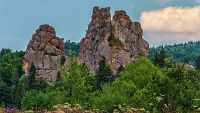скалы Украины