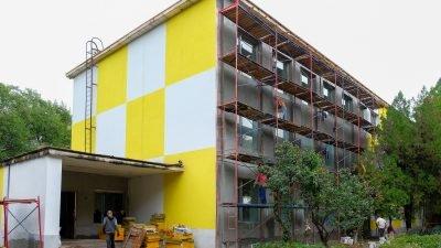 У Покрові продовжується реконструкція школи № 1