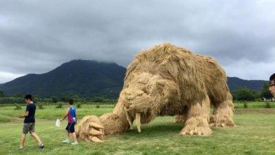 в японському парку_скульптури