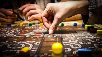 Дніпряни зіграють в ігри «зі стажем»