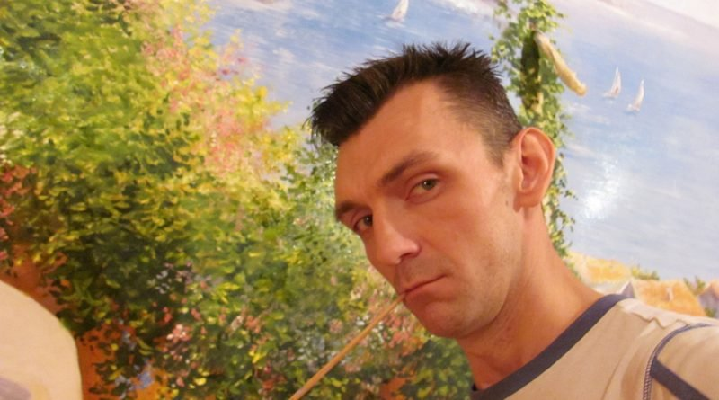 Художник з Кривого Рогу перетворює стіни в унікальні картини (Фото)
