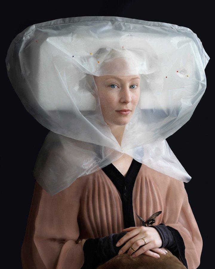 одежда из упаковочных материалов