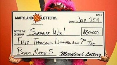 Американец попросил на сдачу лотерейный билет и сорвал джекпот