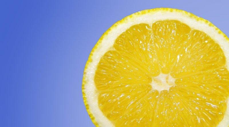 лимон спасет от перхоти