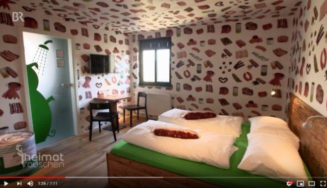 отель для любителей колбасы