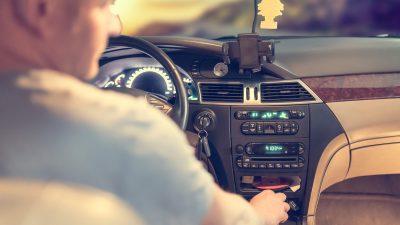 водитель- руль_авто