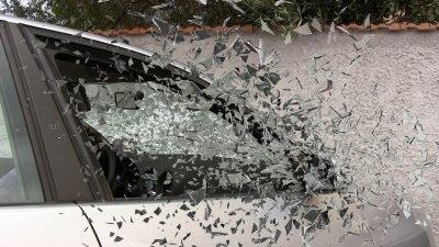 У Дніпрі пограбували авто (Фото)