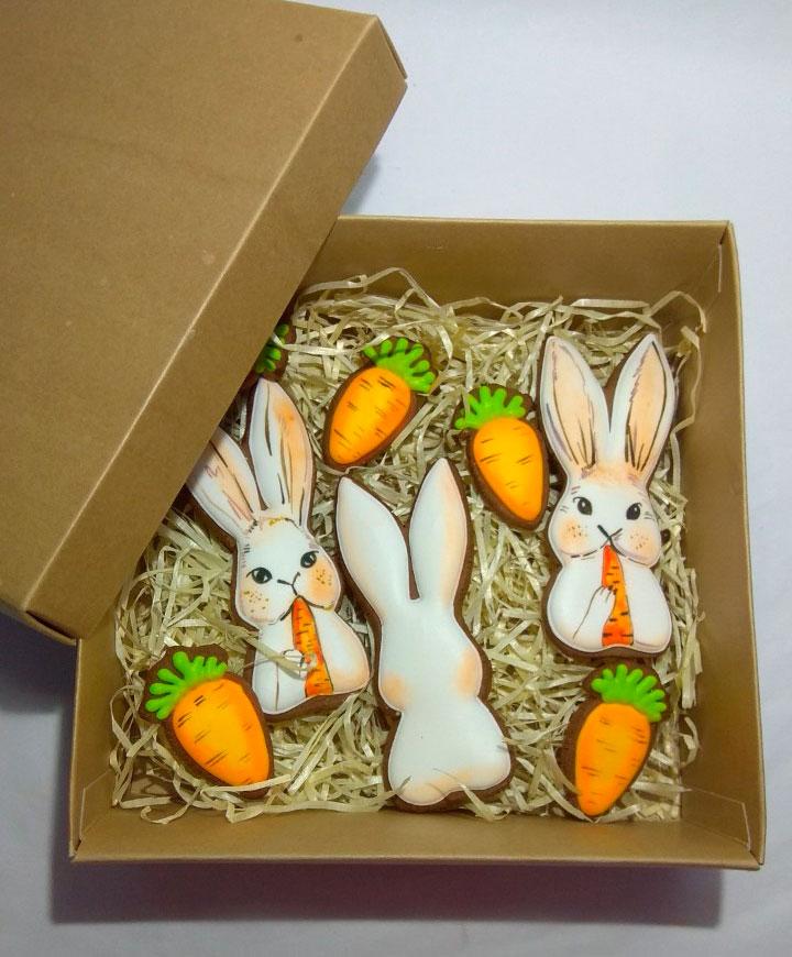 Набор пряников Пасхальные кролики с морковкой