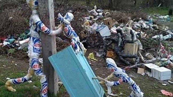 инсталляция_люди из мусора
