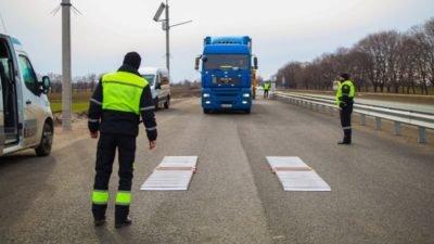 Новый министр МВД хочет контролировать перегрузки фур на украинских дорогах
