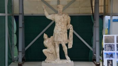 статуя_Траян