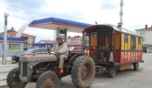 Маре Жардан_путешествие на тракторе