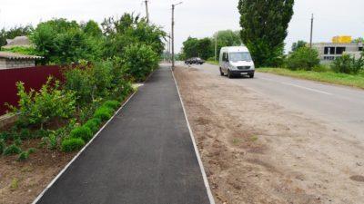 На Дніпропетровщині відновлюють пішохідні доріжки (Фото)