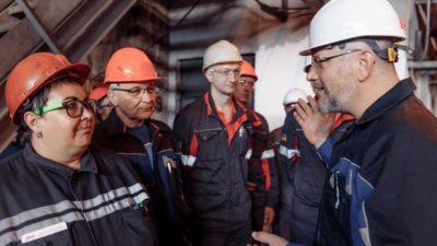Александр Вилкул встретился с трудовым коллективом металлургического комбината ПАО ДМК1