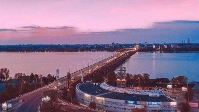 Центральний міст Дніпра перекриють
