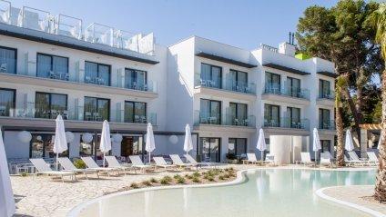 отель для жінок в Іспанії