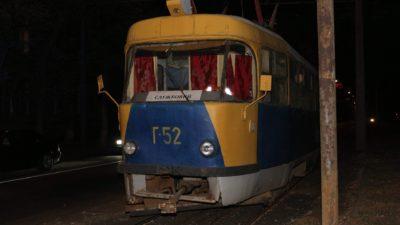 У Дніпрі капітально ремонтують трамвайні колії (Фото)