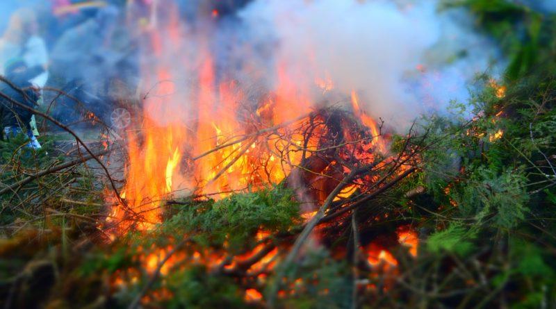 огонь дым