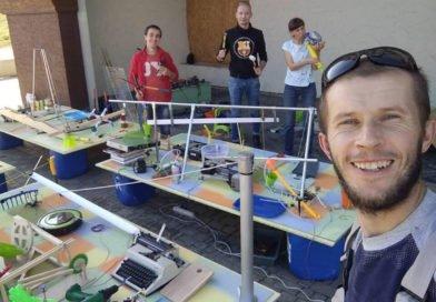 Изобретатель из Днепра презентовал машину Голдберга (Фото)