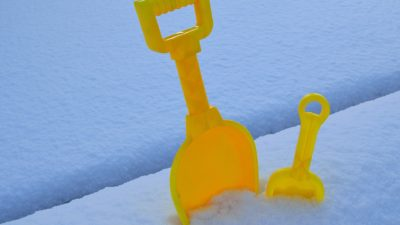 снег лопата чистить зима