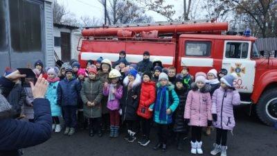 Селфі та захисний одяг: у Тернівці для школярів провели незвичну екскурсію (Фото)