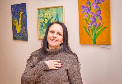 Художниця з Дніпра малює пейзажі в українських селах (Фото)