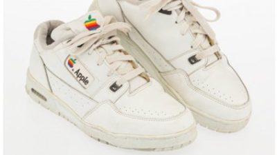 Старі кросівки співробітника Apple продали за чималу суму (фото)