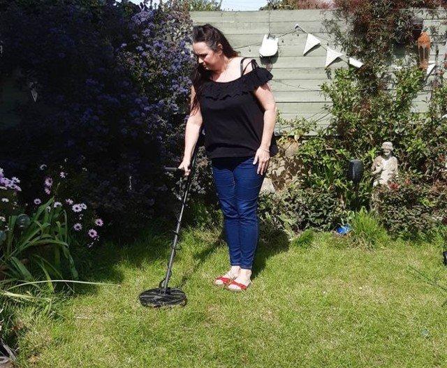 клад в саду