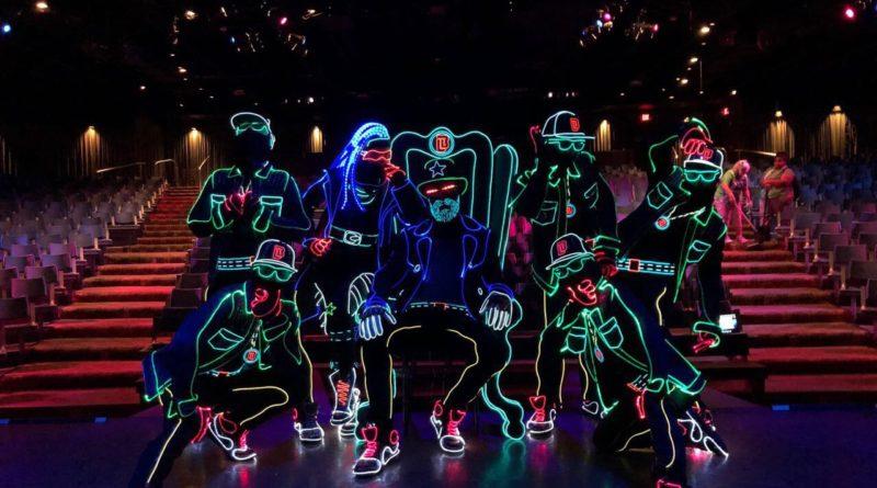 «Неоновые» танцоры из Днепра покорили мир своим шоу (Фото)